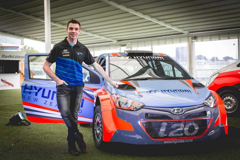 Hayden Paddon with new Hyundai i20 rally car for NZ events_3_LR