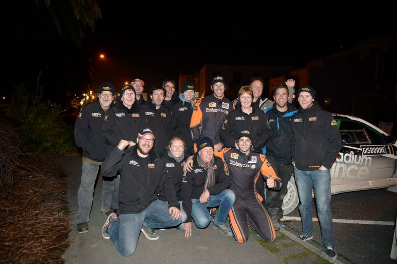 Holder Racing Team celebrate @ Gisborne [img G.Ridder]