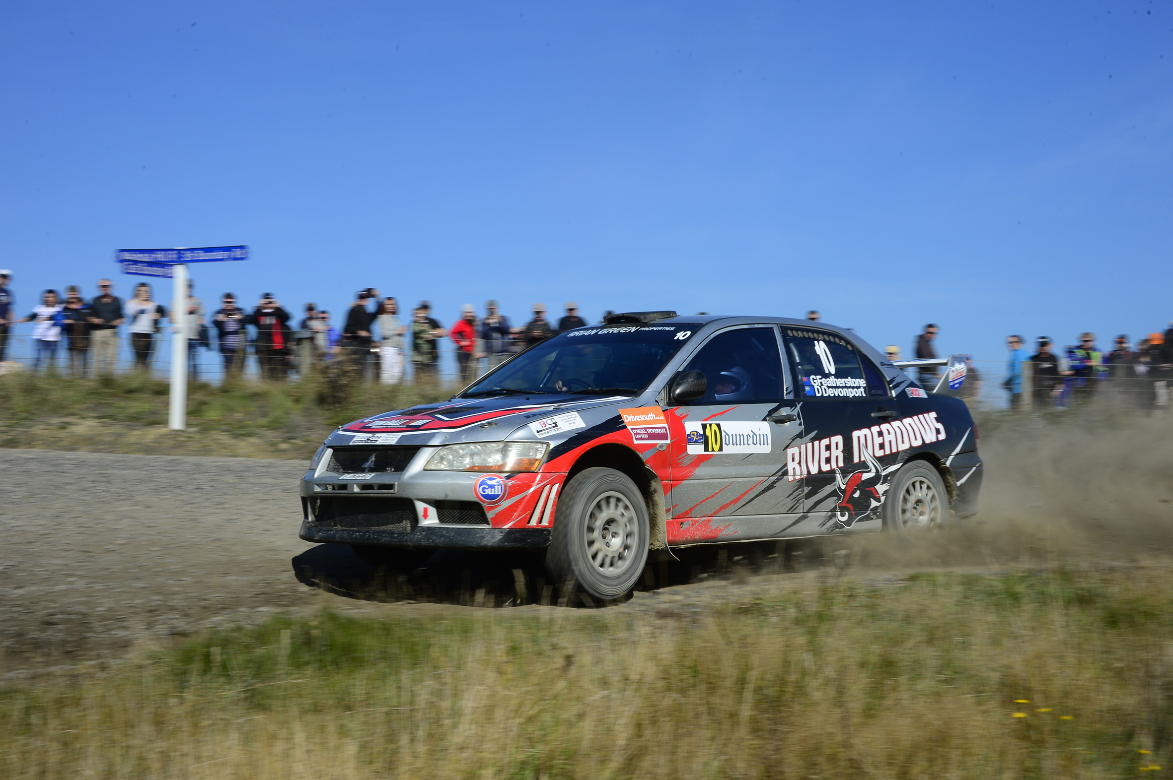 Featherstone leads Championship into the forests
