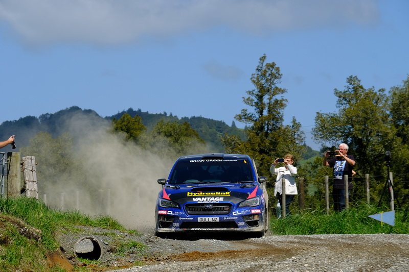 Victory for Hunt at Waitomo lines up three-way title fight!