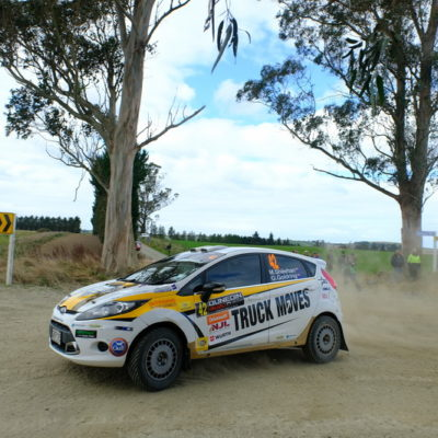 Mike Sheehan on his way to victory in Otago. Photo / Geoff Ridder